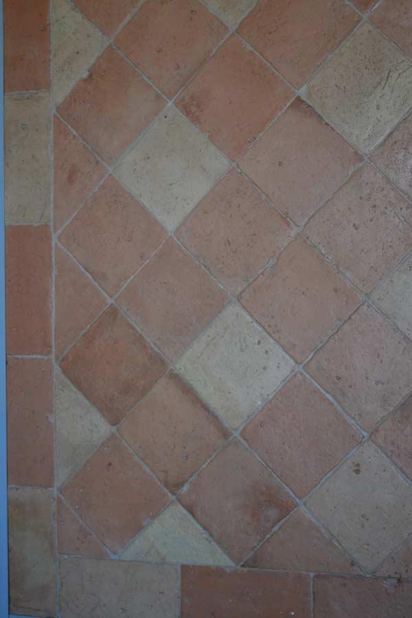 Foto di pavimento in cotto fatto a mano e colori in mix