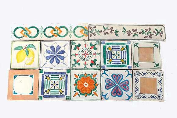 Foto di mattonelle smaltate e decorate a mano