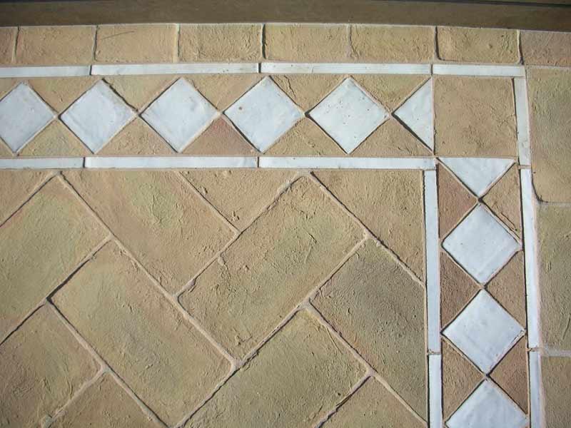 Pavimento rustico esterni cotto fatto a mano greca | enricopalmucci.it