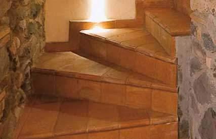 Fotografia di gradini fatti in cotto fatto a mano