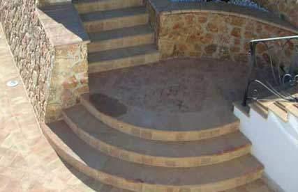 Immagine di utilizzo dei gradini in cotto per esterni
