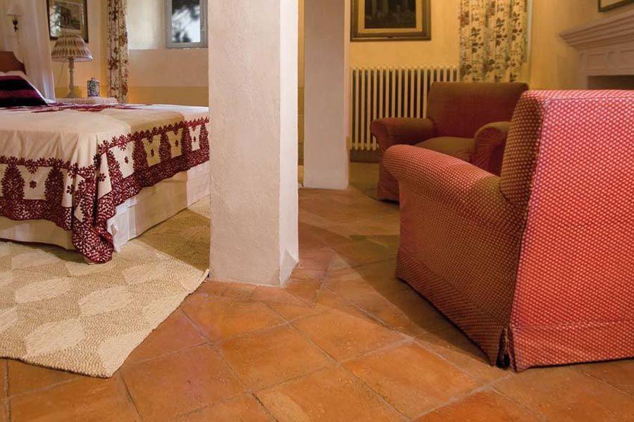 Pavimento con quadrato antico restauro