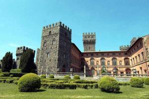 Castello Torre Alfina eseguita pavimentazione salone in antico restauro