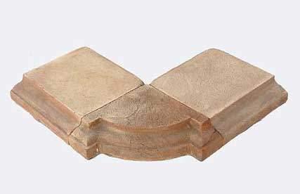Immagine di angolo di una soglia in cotto fatto a mano